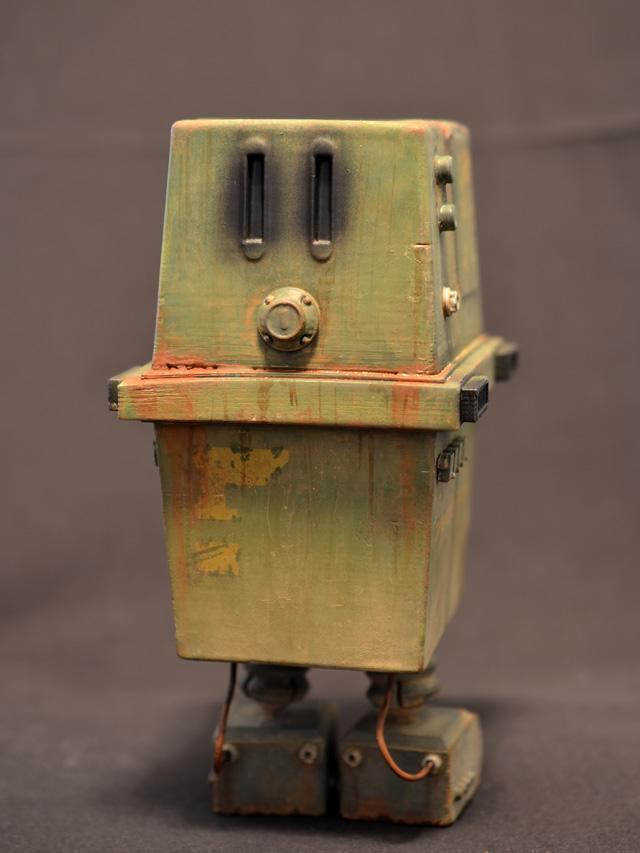 prhi-gonk-power-droid-07